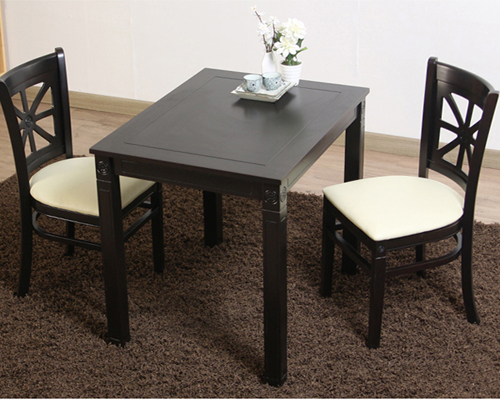 TOTO TABLE AND CHAIR